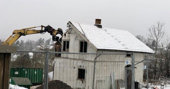 Hus rives i Ekeveien 19